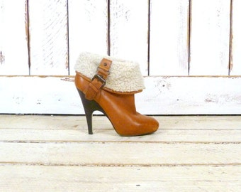 Light brown/tan leather high heel faux shearling fur ankle boot/buckled boots/leather booties