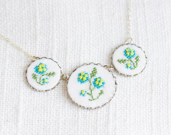 Embroidered floral necklace - Forget-me-not necklace - garden party jewelry - n062