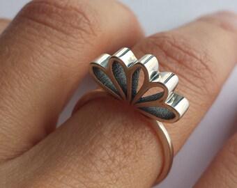 Five Florets Ring