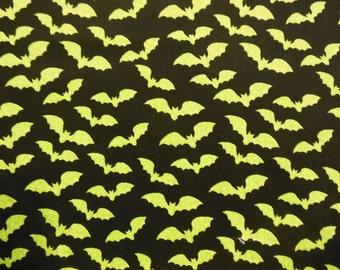 Fat Quarter - Green Bats
