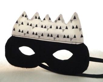 Mask crown.