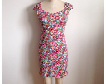Vintage 1990s slim fit floral mini dress