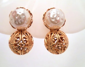 Vintage Gold Filigree Baroque Pearl Costume Jewelry Clip Earrings