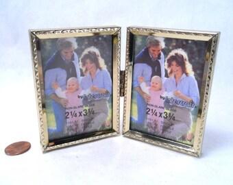 Double Desk Frame 2.5 x 3.5 Chevron Design Vintage 60s #148