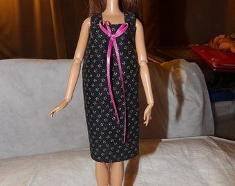 Short nighty in black & pink floral for Fashion Dolls - ed670