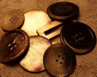 NICE Lot of Genuine Mother of Pearl Buttons ANTIQUE