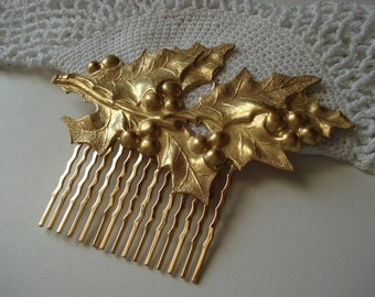 Vintage Art Deco Textured Gold Hair Comb Holly Leaves Berries Woodland Nature Inspired Holiday Christmas