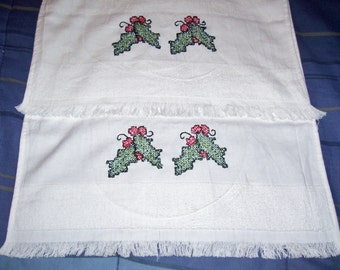 Set of 2 Hand Embroidered Christmas Decorative Hand Towels