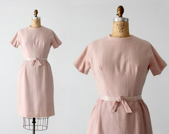FREE SHIP  1950s pink linen wiggle dress, fitted vintage dress