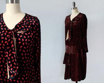 1920s Dress / 20s Silk Velvet Novelty Print Flapper Dress