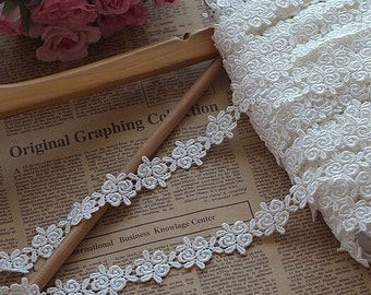 Off White Venice Lace Trim Retro Rose Embroidered Lace Trim 1.18 Inches Wide 2 Yards