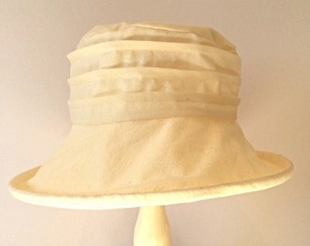 Cream cotton cloche brim sun hat