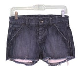 SAMPLE SALE Shorts with Pickaboo Pocket