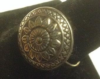 Sterling silver floral design ring         VJSE