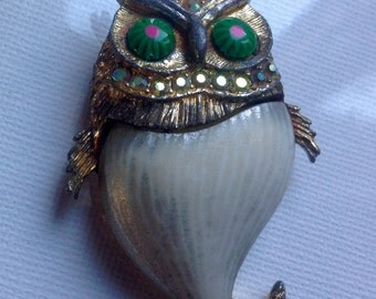 Rhinestone owl brooch       VJSE