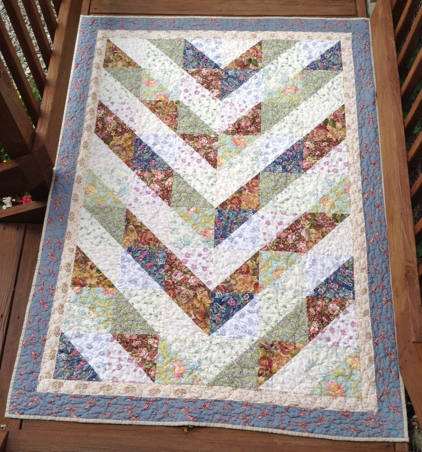 Mixed Triangles Patchwork Sofa Toddler Bed Quilt