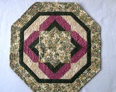 Christmas Holly quilted table mat, Ready to ship