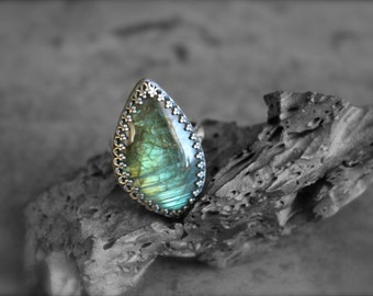 Labradorite Stone set in Embossed Sterling Silver-Ring Size 7.5