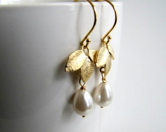 Pearl Drop Earrings Ivory Pearl Earrings Gold Pearl Earrings Pearl Dangle Earrings Bridal Jewelry Bridesmaids Earrings Wedding Jewelry