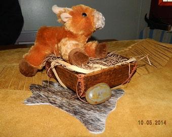 Hand Tooled Basket Weave Leather Box w/ Stuffed Toy Bull & Mini Hide Coaster  Polished Agate Leather Art Western Cowboy Tray Box Basket