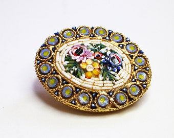Vintage Beautiful Brooch. Micro mosaic