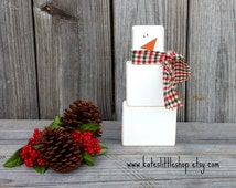 Primitive Snowman. Snowman Family. Rustic Snowman Family. Rustic Christmas. Primitive Christmas. Christmas Decor. Holiday Decor. Snowman.