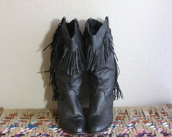 1980s Vintage Boots - 80s Black Leather Fringe Boots - size 6.5
