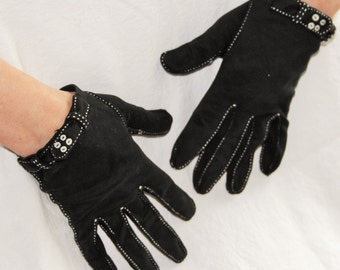 Mod 1960s womens black fashion wrist gloves / Saks Fifth 5th Avenue NY Dept store / short length button trimmed cotton / small
