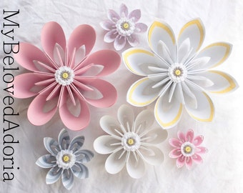 Set of 6 Wall Flowers wall decorations in pink, white, grey and yellow