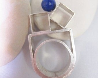 Art Jewelry Ring . Statement Sterling Ring . Geometric Silver Ring . Bague Contemporain . Architectural Built Ring . Lapis Azuli Ring