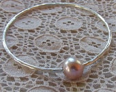 Pearl Bangle, Sterling Silver, Pink Freshwater Pearl, Bridal Jewelry, Bridesmaid Gift Idea, Wedding Accessory, Hammered Bracelet, Love