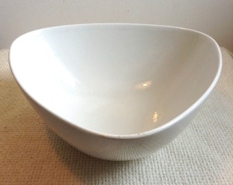 Arabia Triangular, Art Pottery Bowl. BT-2, 97.  Vintage 1960.  Made in Finland. White Glaze.