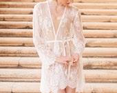Pour le Boudoir Lace Robe in off-white