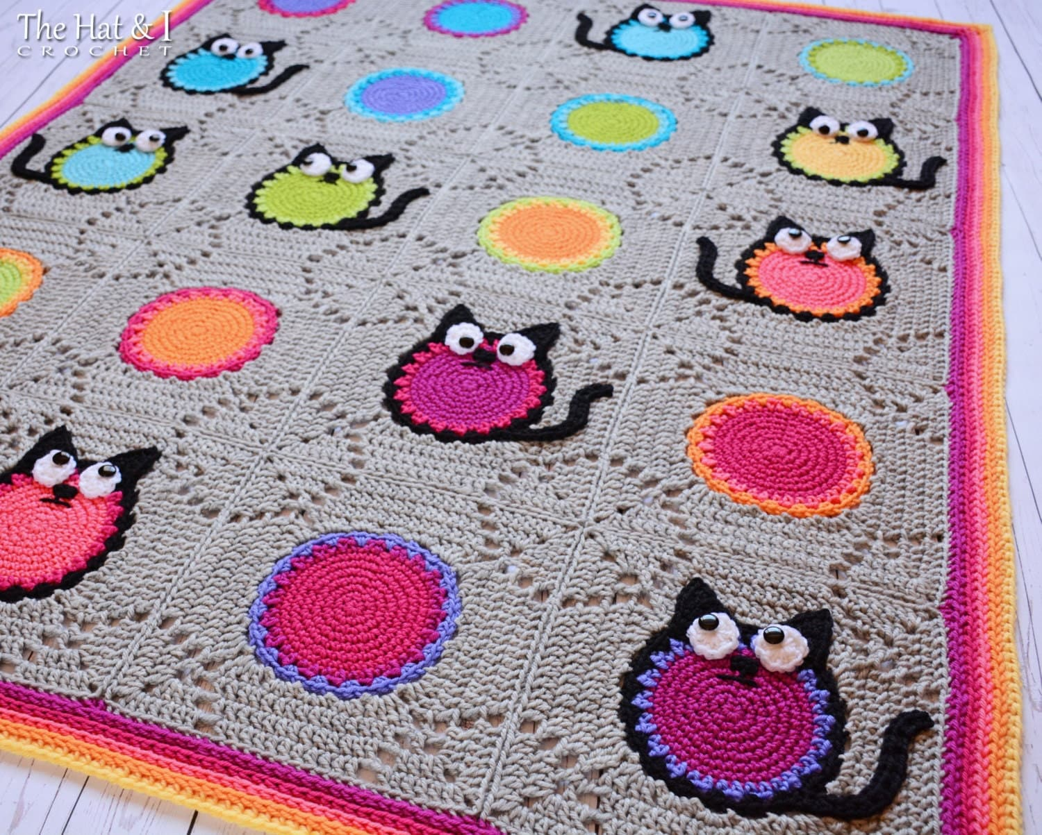 Free Crochet Pattern Pet Blanket : Knitted Cat Blanket www.galleryhip.com - The Hippest Pics