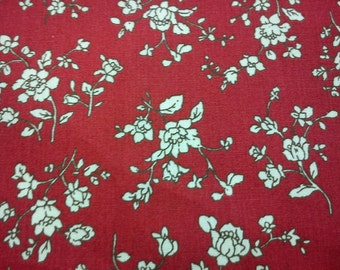 Small ivory roses, red, fat quarter, pure cotton fabric