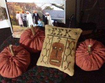 EEK Primitive Cross Stitch  Pumpkin Pinkeep Ornie Bowl Filler Shelf Tuck