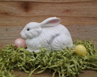 Vintage Easter Bunny figurine - Easter Bunny statue - bunny rabbit - Easter decor - Easter - Spring decor - Easter rabbit - ceramic bunny