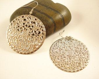 Round Filigree  Earrings Antiqued Silver Tone DE555