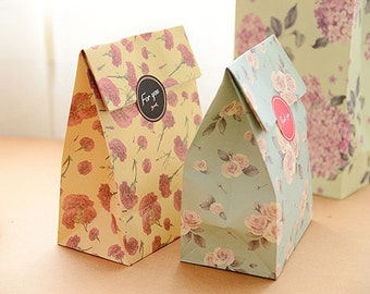 Paper Gift Bag Set - 01 Floral - 4 Pcs in different Patterns with seal