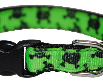 "Skull and Crossbones Black and Green 3/8"" Adjustable Cat Collar"