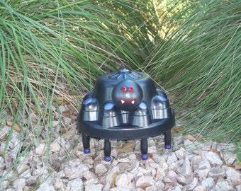Hubcap Art Black Spider - Garden Art - Purple and Black - Hub Bugz