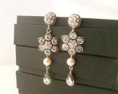 Bridal earrings-Vintage style art deco earrings-Swarovski crystal rhinestone dangle earrings-Antique silver earrings-Vintage wedding