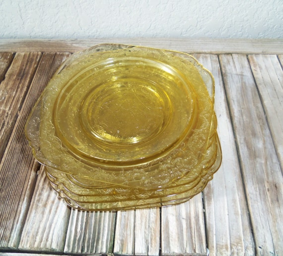 Collectible amber depression glass bread by nostalgicnuance for Most valuable depression glass patterns