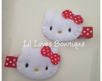 Hello Kitty hair clips, Kitty clips, Hello Kitty accessories, girls hair clips, 1st Birthday, Hello Kitty party favors, Set of 2