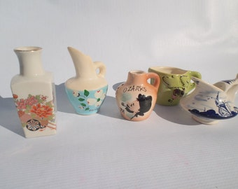 5 Vintage Collectible petite vases
