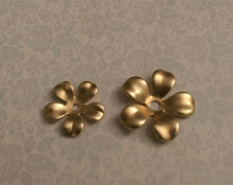18mm Brass Flower Center Hole Raw Brass Stampings Metal Findings Jewelry Supplies Mixed Media DIY Finish 20pcs