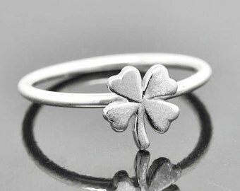 Clover ring, Clover Jewelry, sterling silver ring, stacking ring, four leaf clover ring, 4 leaf clover ring, lucky ring