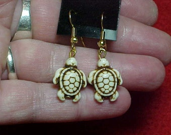 Rare White Buffalo Turquoise Turtle Earrings, Nevada, American Southwest, Handmade, New, Petite