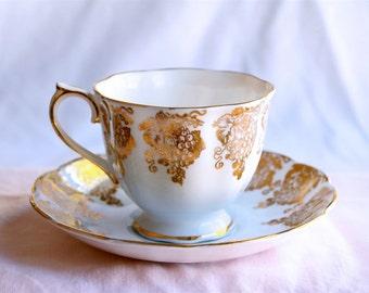 Vintage Royal Albert Teacup Bone China Blue & Gold Grapes