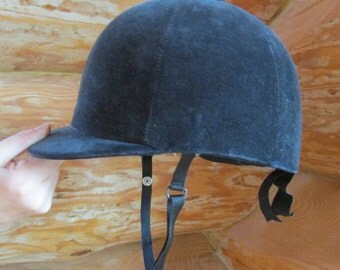 Vintage Ladies Velvet Castle Brand Riding Cap